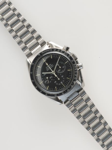 Omega Omega Speedmaster 145.022-68 transitional with Omega box and Extract of the Archive