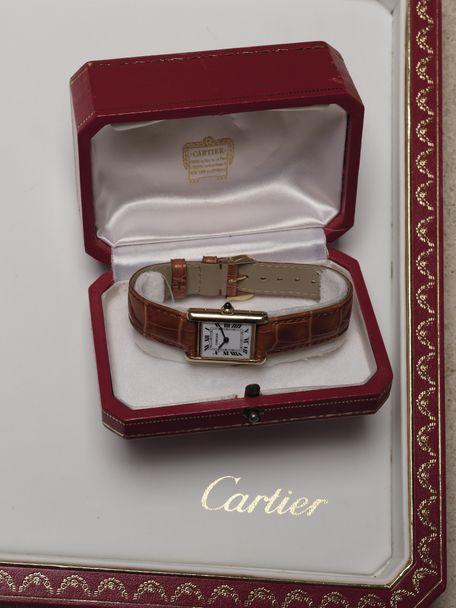 Cartier SOLD-Cartier Tank Louis Petit Modele Or Jaune small yellow Gold