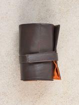 WRIST ICONS Dark brown and orange watch roll